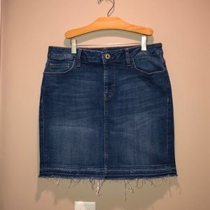 Tommy Hilfiger denim skirt size 6